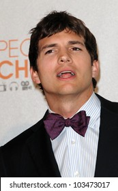Ashton Kutcher at the 2010 People's Choice Awards Press Room, Nokia Theater L.A. Live, Los Angeles, CA. 01-06-10