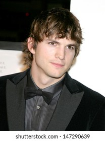 "Ashton Kutcher ""Bobby"" Premiere  - AFI Opening Night Grauman's Chinese Theater Los Angeles, CA November 1, 2006"