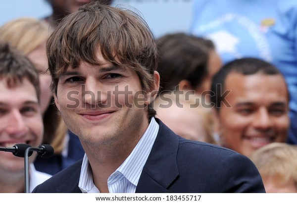 Ashton Kutcher at the press conference for Entertainment Industry Foundation I PARTICIPATE Kick Off Promotes Volunteerism, Times Square, New York September 10, 2009