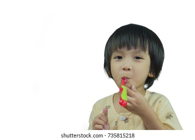 Asia children brush their teeth in the morning