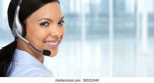Asian agent woman with headsets.