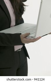 Asian business woman whit laptop