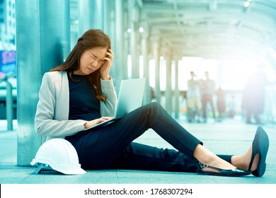 Asian Business women are unhappy at work Frantic caused by stress from unsuccessful work. Unemployment in the economic recession throughout the world. Concept business