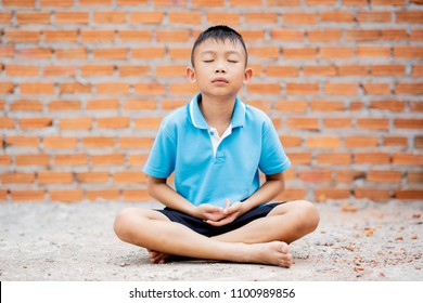 Girl Meditating Images, Stock Photos & Vectors | Shutterstock