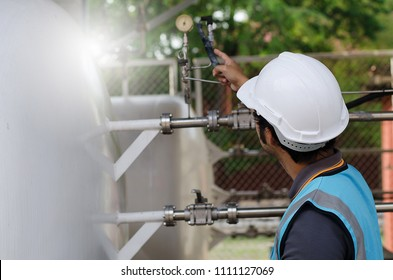 Asian Engineer checking list gas system,For the safety of the system