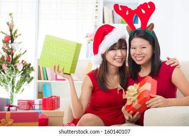 asian girl friend lifestyle christmas photo
