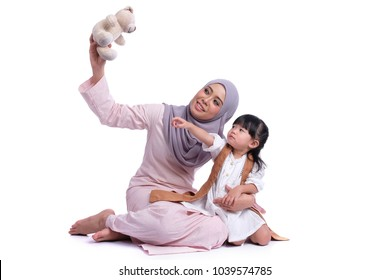 Asian mother enjoying quality time with her daughter