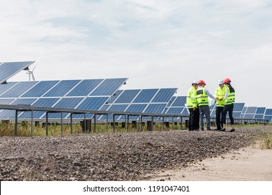 The Asian team of electrical engineers conducted performance tests at the outdoor solar PV base and conducted discussions and summaries at the site.