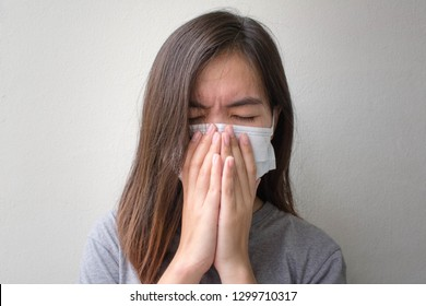 Asian women was influenza. she was coughing and wear hygienic mask.