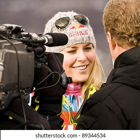 ASPEN, CO - NOV 28: Lindsey Vonn giving an post-race interview at the 2010 Audi FIS Woldcup Slalom in Aspen, CO on Nov 28, 2010