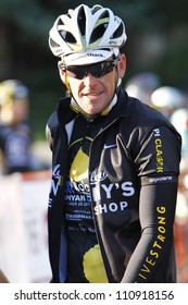 ASPEN - SEPT 25: Lance Armstrong rides in the Wapiyapi Classic in Aspen, Colorado on September 25, 2011