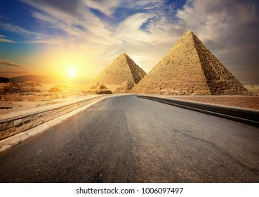 Asphalted road to Giza