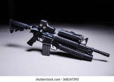 Assault automatic rifle with grenade launcher,collimator and laser sight/Automatic rifle with grenade launcher