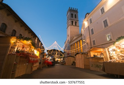 ASSISI, ITALY - DECEMBER 16, 2016: Magic atmosphere with the christmas market in the historic center of Assisi
