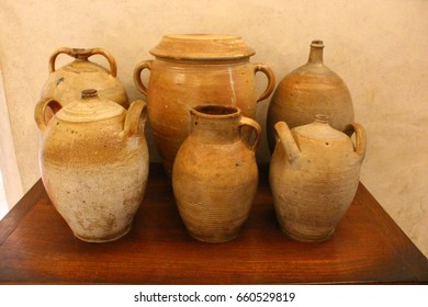 Assorted pottery pots