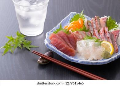 Assorted sashimi and shochu