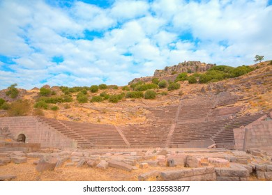 Assos Ancient City - History of the ancient city of Assos BC Going back to the 6th century.
