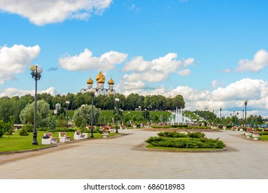 Assumption Cathedral in Yaroslavl. The view from the Strelka.