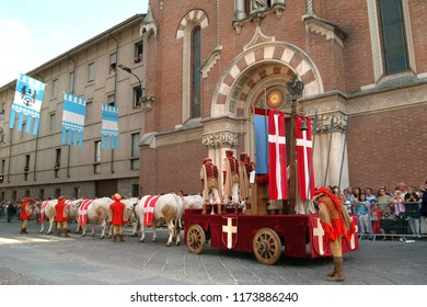 Asti, Piedmont, Italy -09/16/2007- Palio horse race is a traditional festival of Medieval origins and exhibition by flag throwers, historical procession and the Palio bareback horse-race.