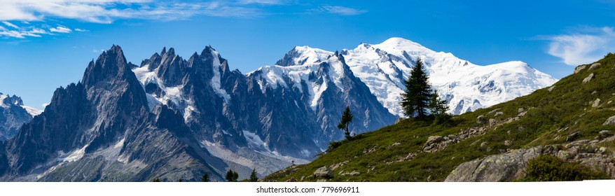 Astonishing view of the Mont Blanc mountain range during the summer. With it's beautiful glaciers, high peaks and easy treks, Mont Blanc is one of the most visited mountain in the world.