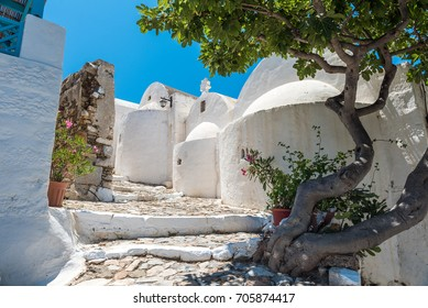 Astypalaia. Chora. Greek church. way to castle.