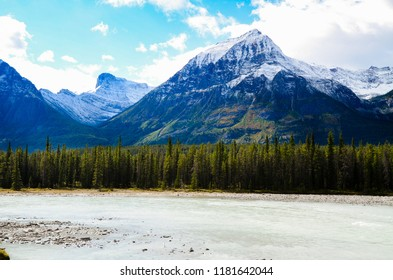 Athabasca River and Mountain range in Autumn, The Icefields Parkway, Canadian Rockies, Alberta, Canada