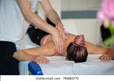 Athlete's Back Massage after Fitness Activity: Wellness and Sport.