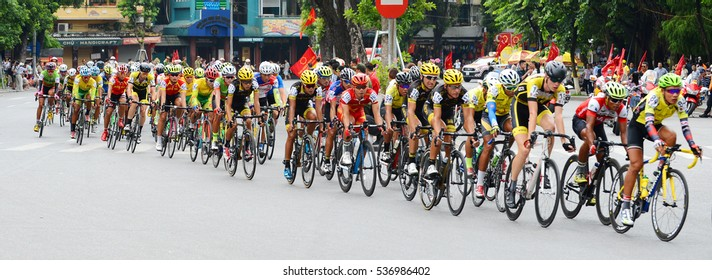 The athletes competed in bicycle racing a race around Hoan Kiem Lake in Hanoi morning September 2, 2016.