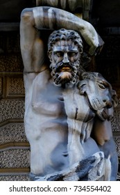 Atlant statue in Saint-Peterburg in Sankt Peterburg