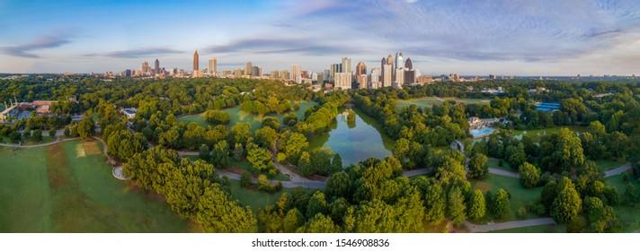 Atlanta, Géorgie, USA Downtown Skyline Aerial Panorama.