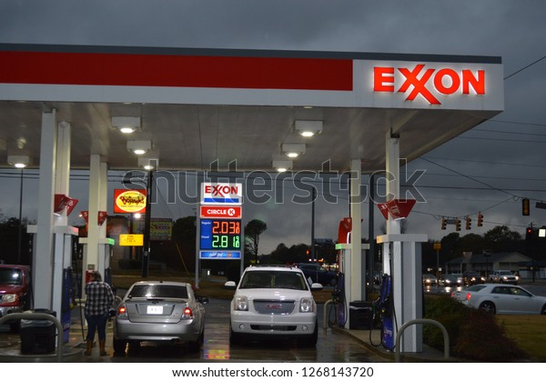 Gas Companies In Ga >> Atlantagausa November 242017 Exxon Retail Gas Royalty Free