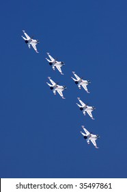 """ATLANTIC CITY - AUGUST 19: Members of the US Air Force Thunderbirds perform at """"Thunder Over The Boardwalk"""" air show August 19, 2009 Atlantic City, NJ."""