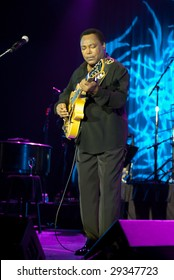 ATLANTIC CITY, NJ - APRIL 25: Jazz guitar player George Benson performs on stage at the Atlantic City Hilton April 25th, 2009 in Atlantic City, NJ