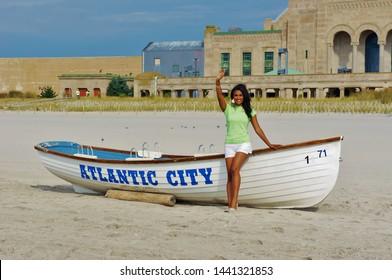 ATLANTIC CITY, NJ, USA - SEPTEMBER 16, 2013 - Miss America 2014 Waves from the Beach in Atlantic City