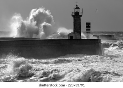 Atlantic stormy waves at the entrance of an harbor.