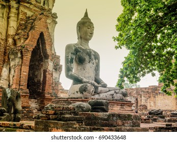 Atmosphere after raining day at Wat Mahathat Ayutthaya, a very famous place for Tourist attraction in Thailand