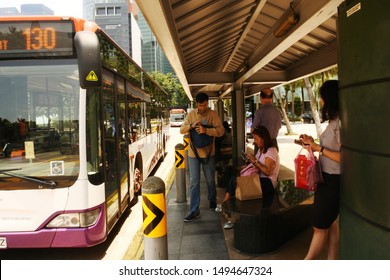 the atmosphere of singapore residents who are waiting for the arrival of a city bus, Singapore, August 22, 2019