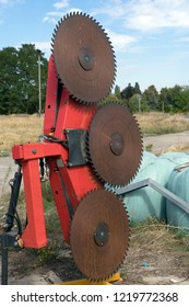 Attachment for a tractor with large saw blades