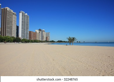 Attractive Chicago beach right on Lake Michigan, Oak Street Beach in the Gold Coast.