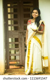 Kerala girls saree what phrase