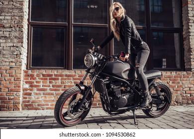 Imágenes, fotos de stock y vectores sobre Riding+jeans