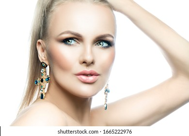 Atttractive cute lady beauty shot, studio portrait, perfect skin, bright makeup