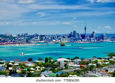 Auckland city from mount Victoria