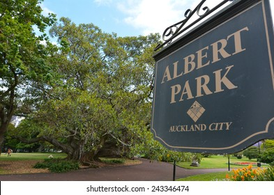 AUCKLAND - JAN 09 2015: Visitors in Albert park. Albert Park is a famous scenic park in central Auckland, New Zealand.
