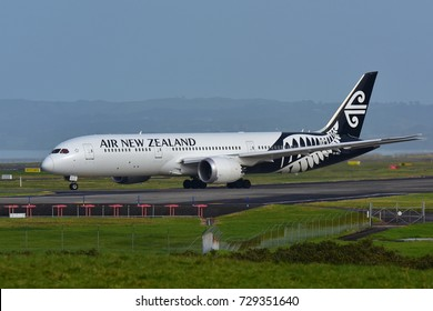 AUCKLAND, NEW ZEALAND - JULY 10:  Air New Zealand Boeing 787-9 Dreamliner taxiing at Auckland International Airport on July 10, 2017 in Auckland