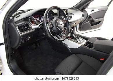 Audi A6 Avant TDI 2015 Cockpit  interior  details  inside