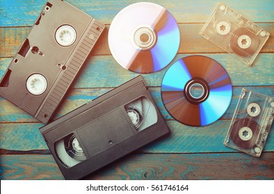 Audio cassettes, cassettes videos, CDs. The evolution of media.