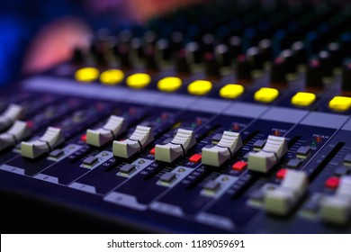 Audio sound mixer console
