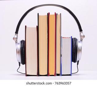 Audiobook- Headphones HiFi with old books.