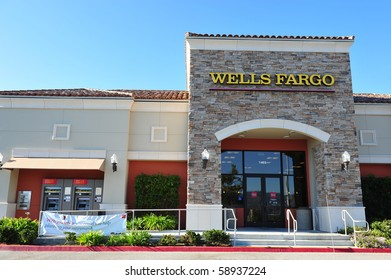 AUGUST 10 : Wells Fargo Loses Ruling on Overdraft Fees August 10, 2010 in San Francisco, CA Bank branch in Simi Valley, CA